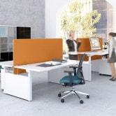 Drive – uniwersalne biurka do pracy w pozycji stojącej i siedzącej
